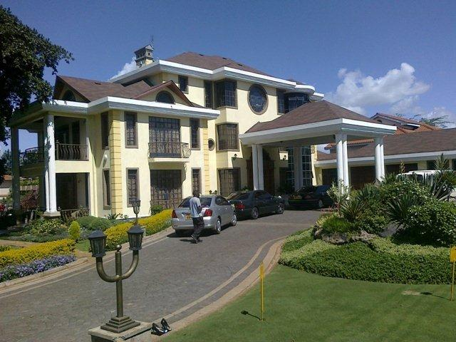 kiuna4 - Leaked aerial view of Bishop Kiuna's palatial mansion in Runda (Video)