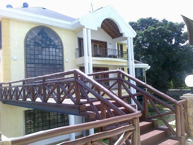 kiuna9 - Leaked aerial view of Bishop Kiuna's palatial mansion in Runda (Video)