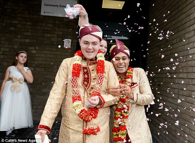 42379C1000000578-4684824-Following_their_wedding_in_Walsall_the_happy_couple_are_jetting_-a-63_1499781458728