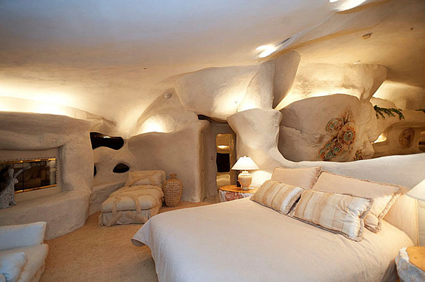 Flintstone Malibu 2 - 6 Unusual Houses That You'll Die For [Photos]