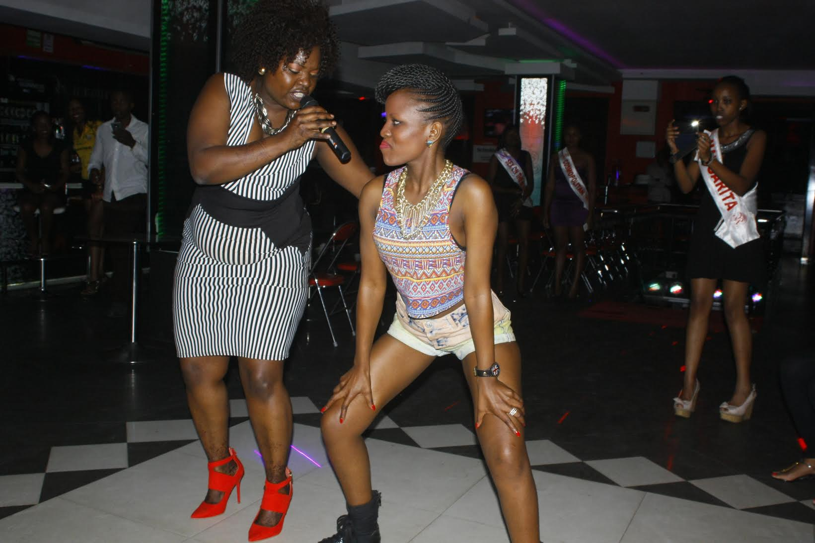 These Women Went All Ratchet Simulating Sex At A Nairobi Club On Sunday Night Photos -3346