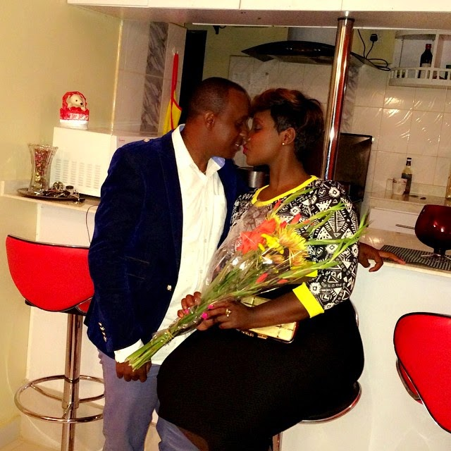 kisses - Kate Actress Exchanges Saliva In Public With Bae (PHOTO)