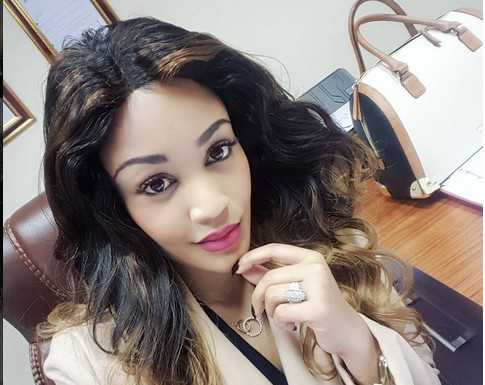 zari2 485x385 - The Power Of Aromat! Here Are Female Celebrities Without Make-Up