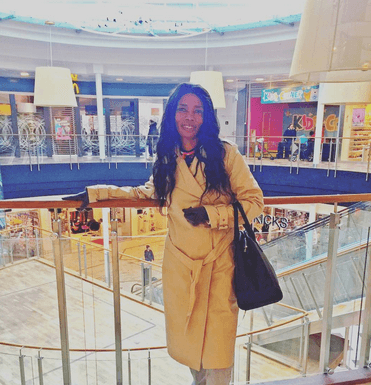 kendrah michale 1 371x385 - 15 Times Diamond's Mom Stepped Out Looking Like A 16-Year-Old