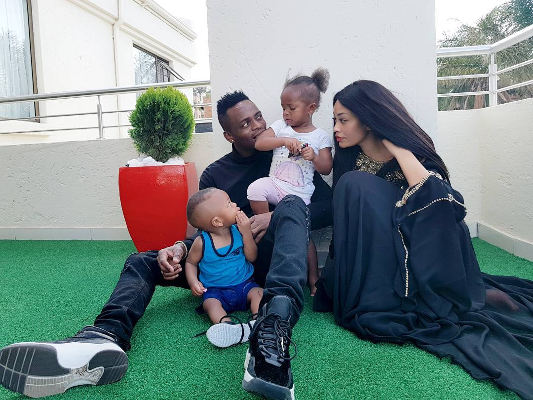 Diamond Platnumz and Zari Hassan posing with the kids