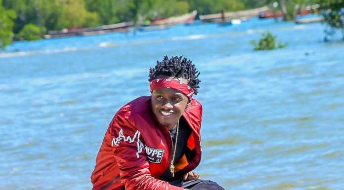 Bahati pose2 696x385 - Instagram poses Bahati has ditched after fans begged him to