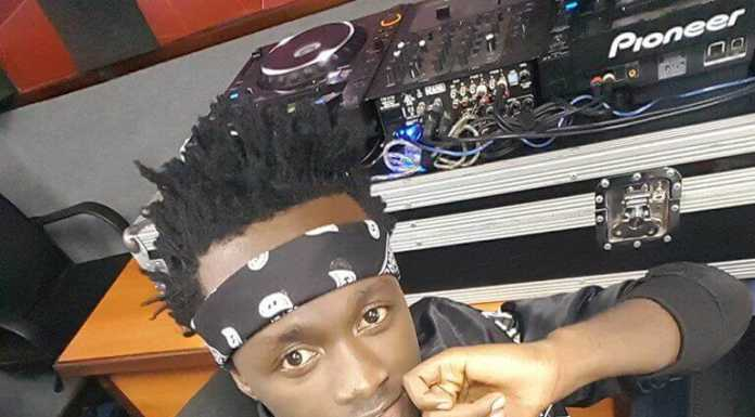Bahati20pose6 696x385 - Instagram poses Bahati has ditched after fans begged him to