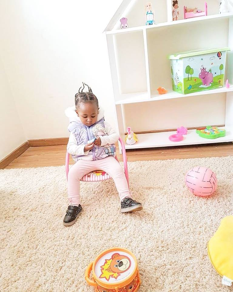 Ladasha Belle 11 - 15 hairstyles rocked by Ladasha Belle that will give you baby fever