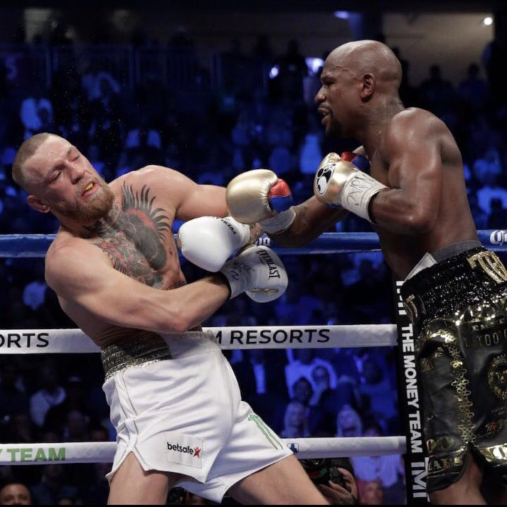 Mayweather and Macgregor boxing