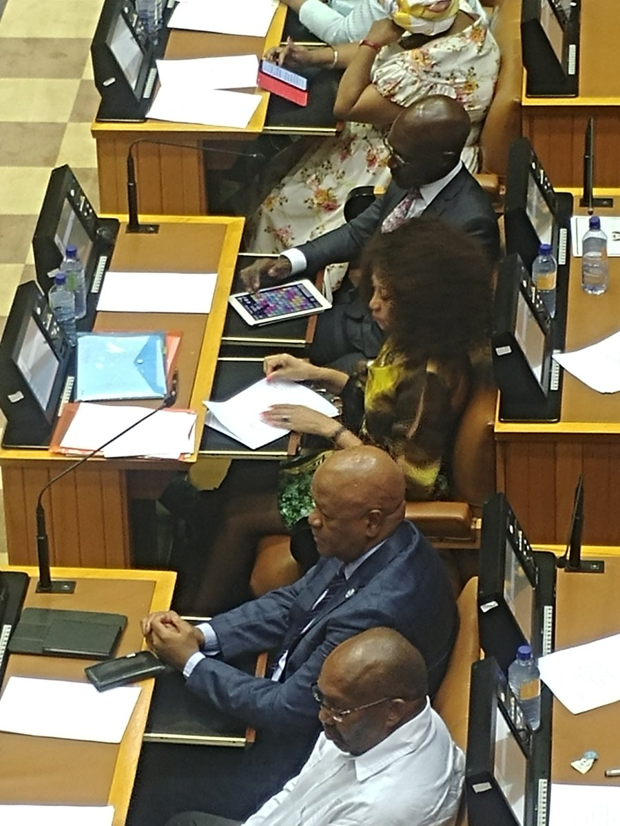 candy crush speech While in the speaker´s chair celia villalobos was caught on camera appearing to play candy crush during the prime minister's speech at tuesday's state of the nation debate.