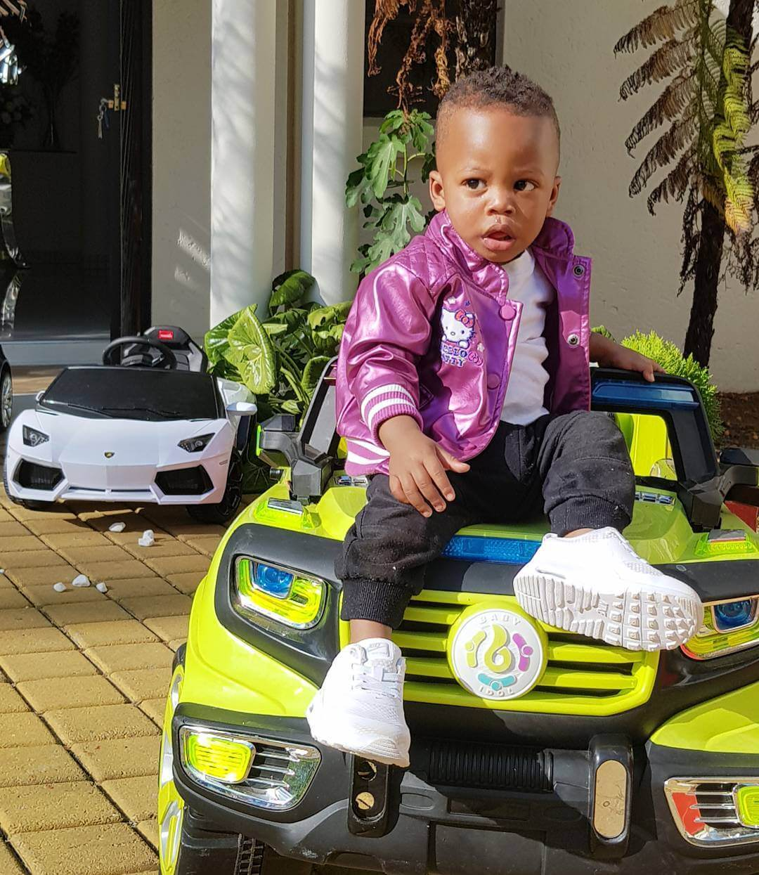 Prince Nillans car3 - Check out Diamond Platnumz' heir, Prince Nillan flaunting his cars