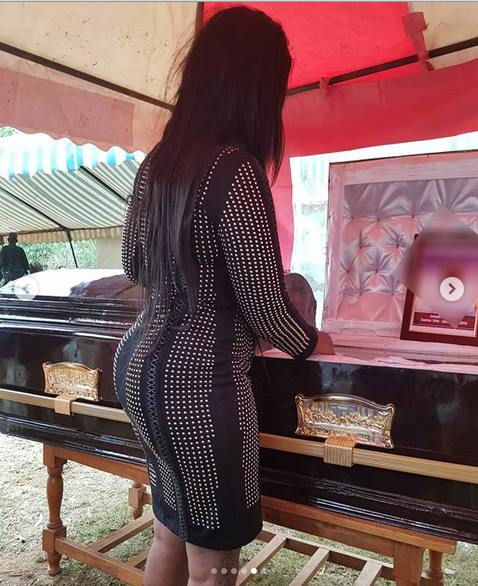Mishi Dora at her father's burial