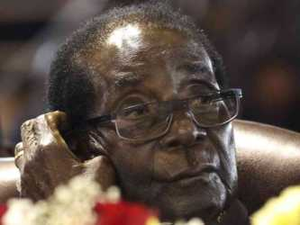 Robert Mugabe 333x250 - From losing all his siblings to being arrested! The lonely life Robert Mugabe lived