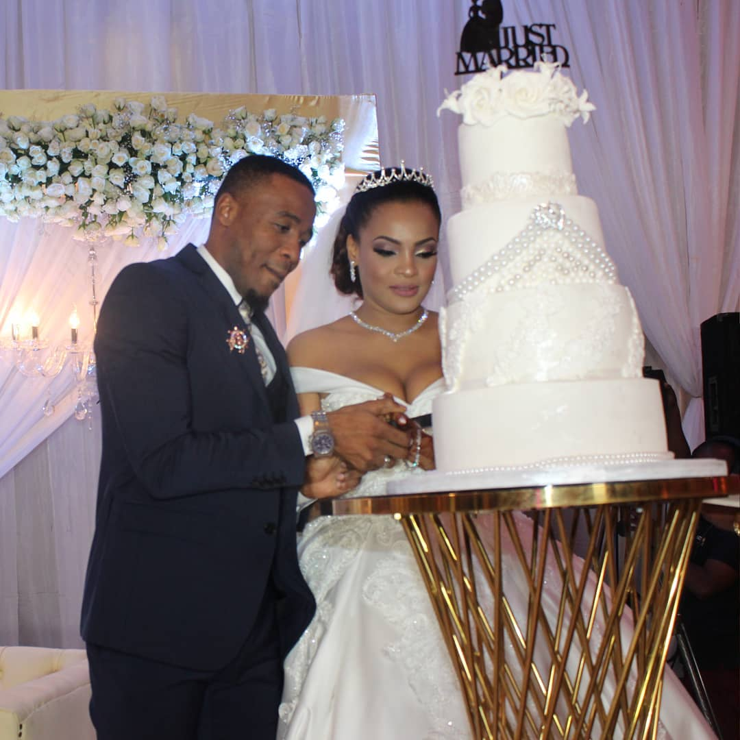 Ali Kiba awith his wife AMina Khalef