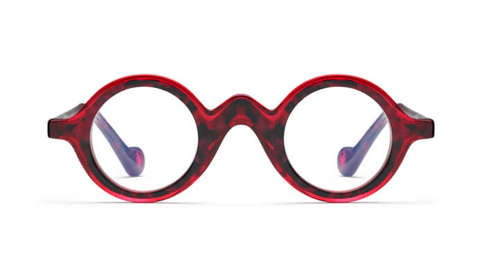 mgf p 961001 a 696x385 - Stunt like a celebrity! Eye-wear you must have