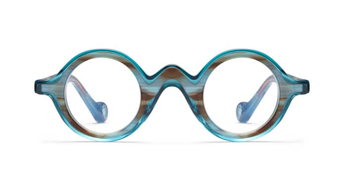 mgf p 961003 a 696x385 - Stunt like a celebrity! Eye-wear you must have
