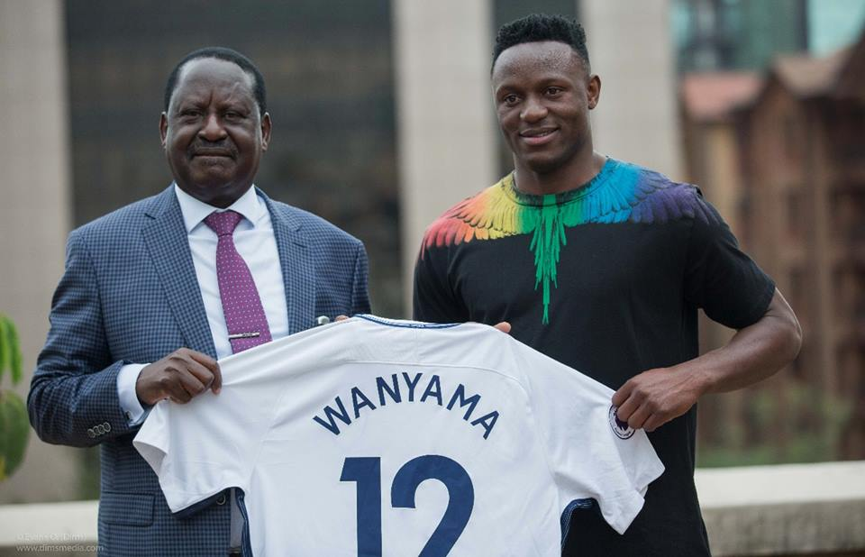 Victor Wanyama with Raila Odinga
