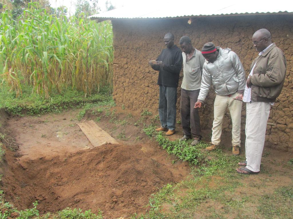 esidents mil at the scene where Jared Nyongesa buried the wife after killing her following a domestic dispute on Saturday:BRIAN OJAMA