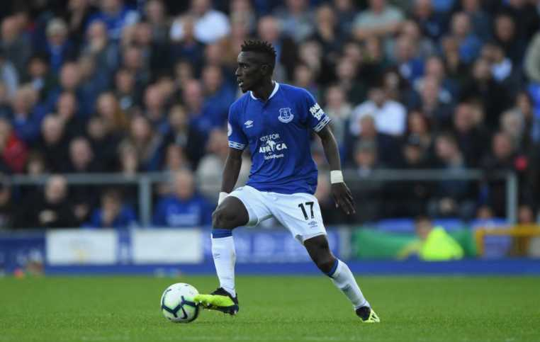 During the match, Everton players wore the Kits for Africa logo on the front of their blue shirts instead of the usual SportPesa logo to rally more fans to support the project. Photo / COURTESY