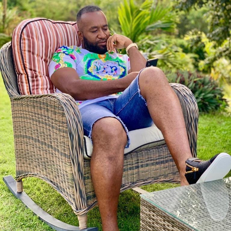 44850367 257671934911832 8662760522531157818 n - Mr steal your girl! Tantalizing photos of Governor Joho