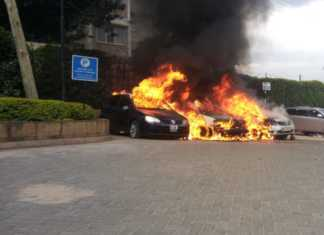 Cars burning at Dusit entrance
