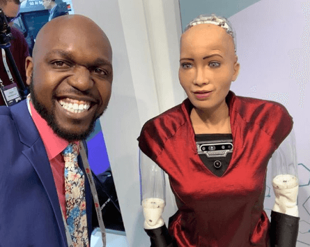 Larry Madowo Sophia - Larry Madowo 'finds love' in a robot, pops the question
