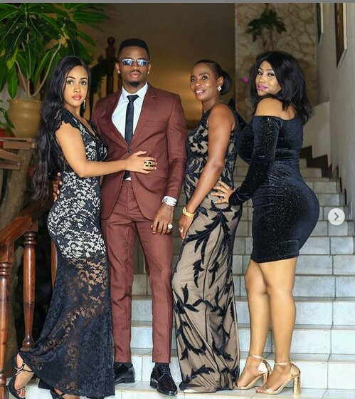 Diamond Platnumz with his girlfriend and family