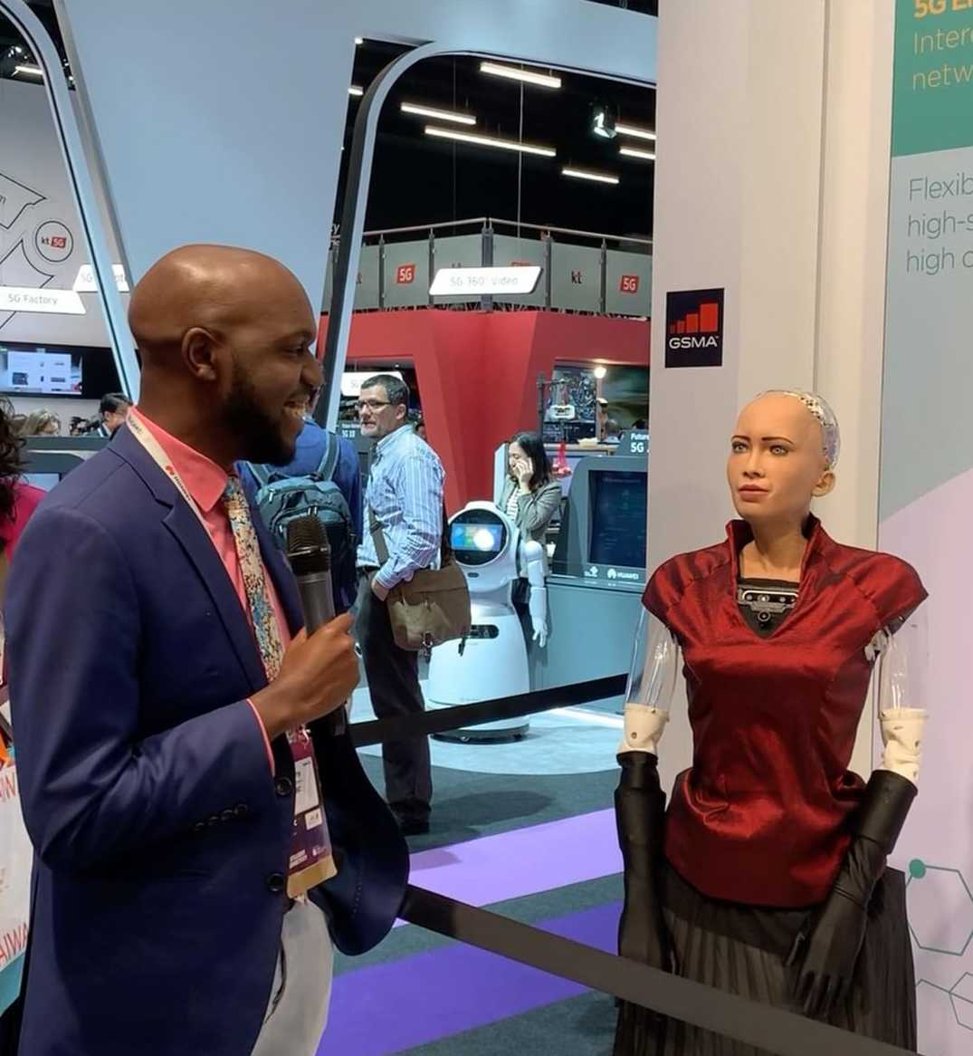 larry proposing e1551153373460 - Larry Madowo 'finds love' in a robot, pops the question
