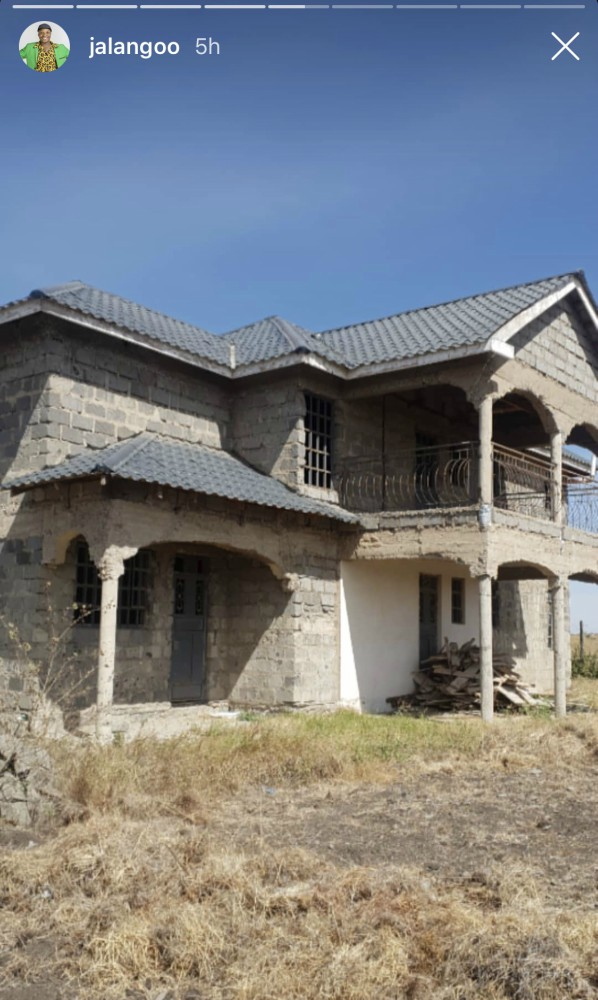 12DD6188 0338 453D 9802 85DE1304D40C - Kwani wako compe na Njugush? Jalang'o building multi-million shilling mansion