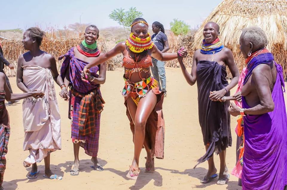 54519149 2322706441130296 7279952631663951872 n - Abarikiwe! Akothee praised after donating food to hunger stricken Kenyans in Turkana
