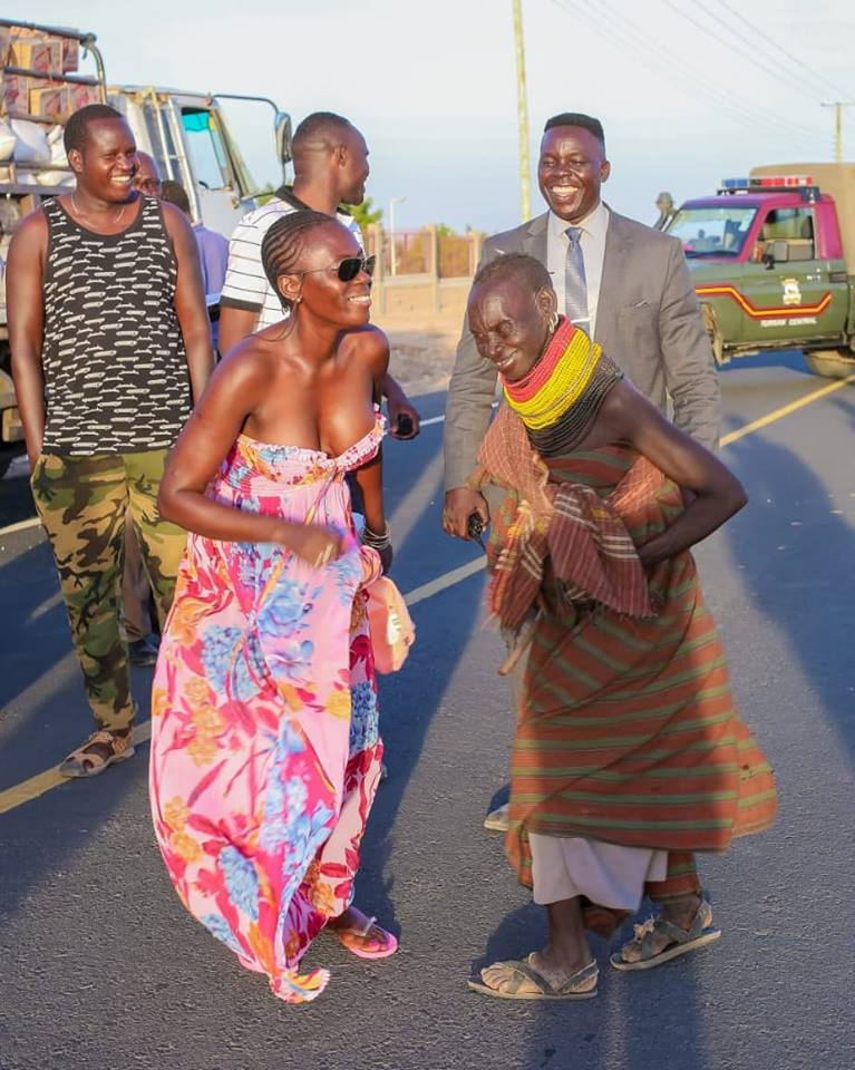 54520603 2323389794395294 547827279082815488 n - Abarikiwe! Akothee praised after donating food to hunger stricken Kenyans in Turkana