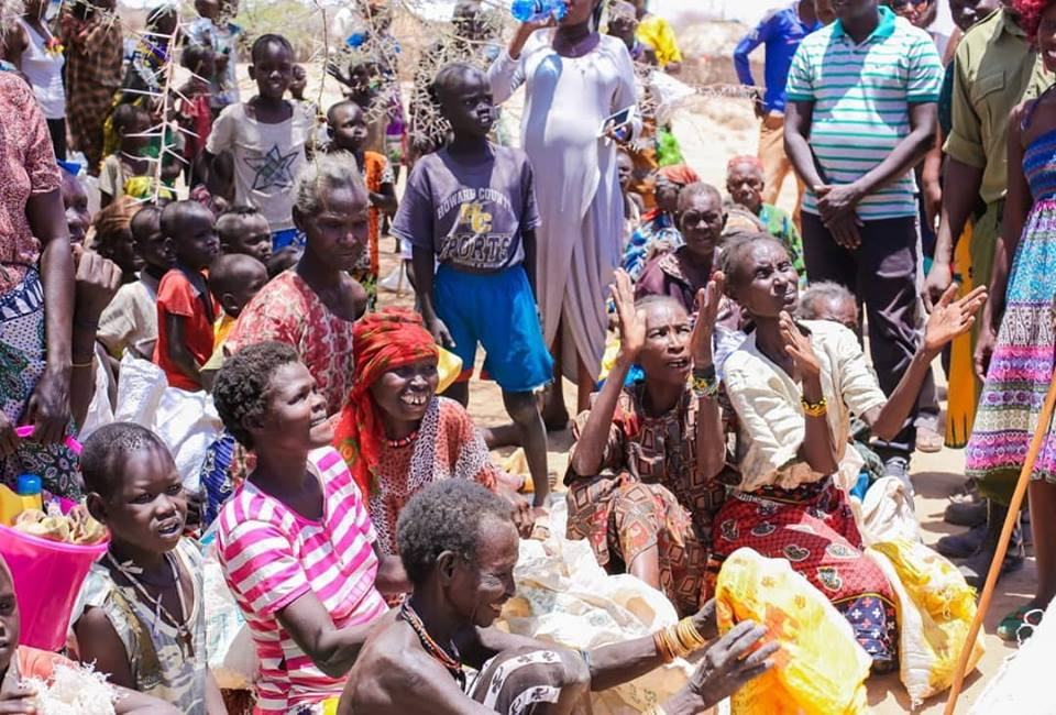 54729080 2322852344449039 6335795017570844672 n - Abarikiwe! Akothee praised after donating food to hunger stricken Kenyans in Turkana