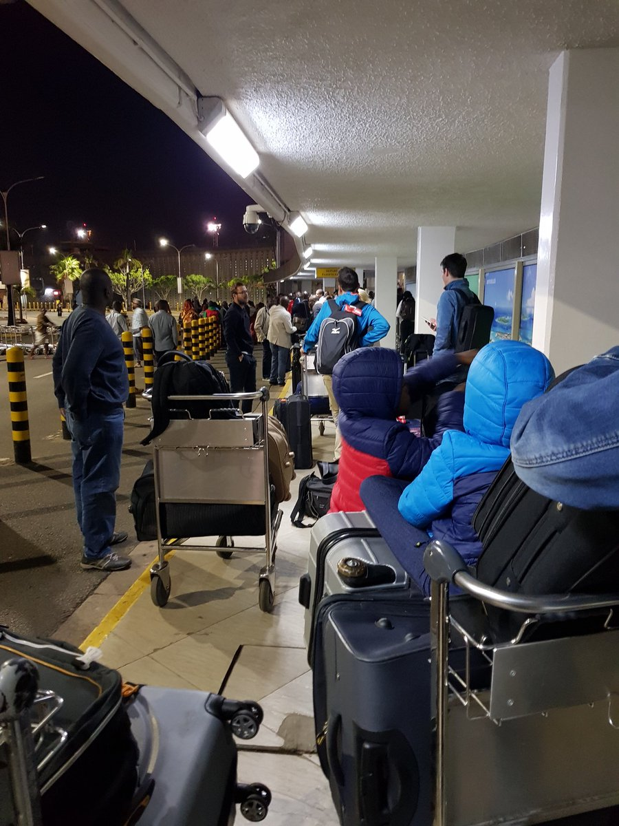 D08EJ6wWsAI8Moa - Travellers stranded at JKIA as airport workers strike bites (photos)