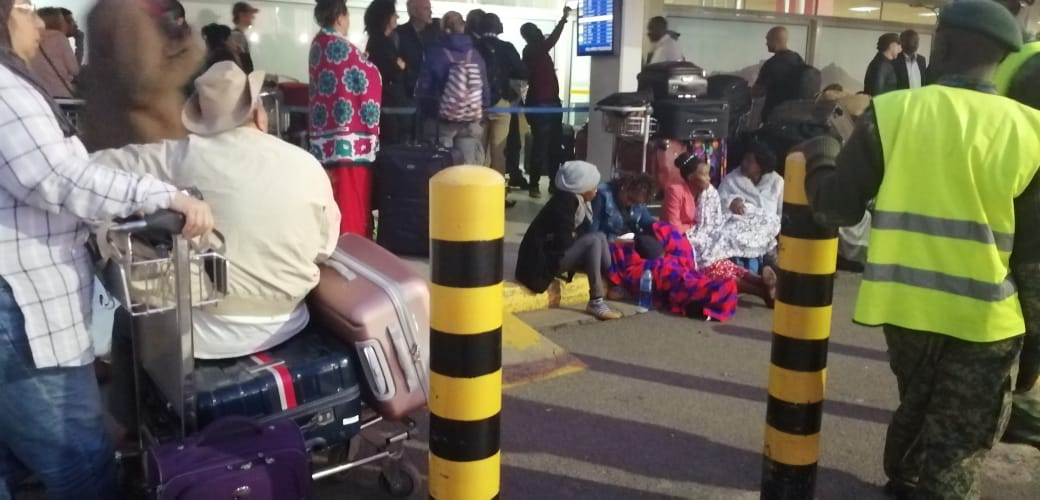 D08iXv6XQAAuBRq - Travellers stranded at JKIA as airport workers strike bites (photos)