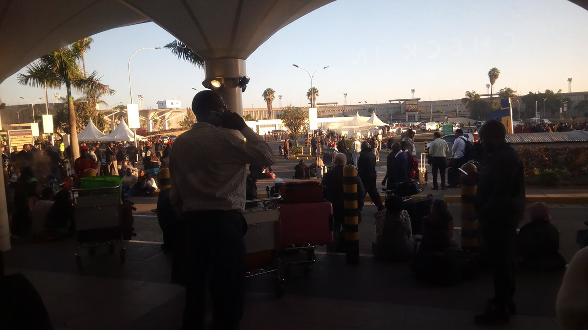 D08omqcX0AIv2Bb - Travellers stranded at JKIA as airport workers strike bites (photos)