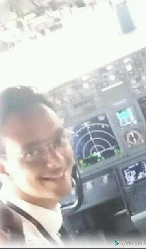 D1UBkGCWwAEPfWB - Fly with the angels! Photos of Kenyan pilot Yared who was behind controls when the ET 302 crashed