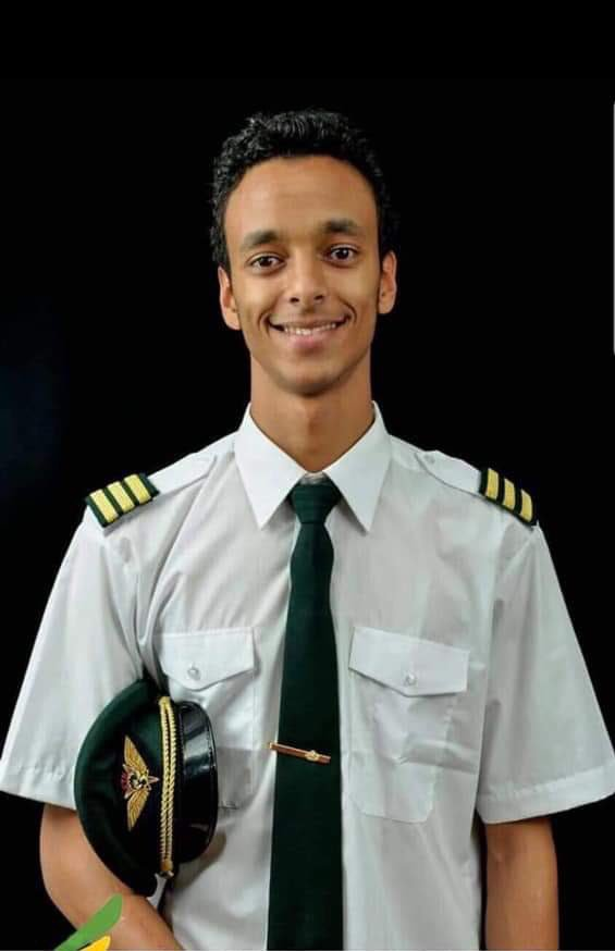 D1XZYdEW0AA0v  - Fly with the angels! Photos of Kenyan pilot Yared who was behind controls when the ET 302 crashed