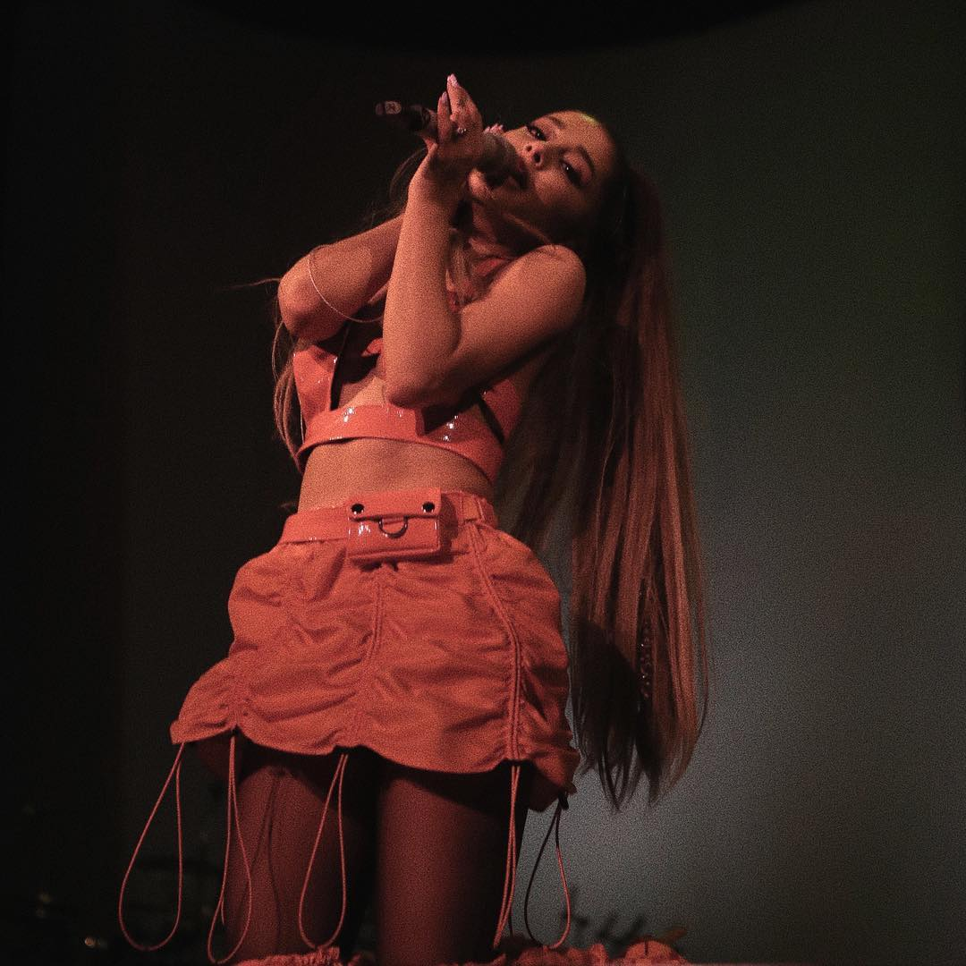 53759588 321495331903714 4006292279455419267 n - Ariana Grande responds to fan about whether she is a bisexual