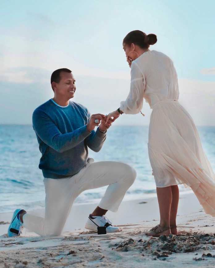 Alex Rodriguez proposing to Jennifer Lopez. photo credit Instagram  696x867 - Jennifer Lopez says Puff Daddy apologised to fiancee' A Rod after his awkward compliment