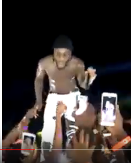 Screenshot from 2019 04 01 080647 - Thie Ukiumaga! Burna Boy kicks fan who tried to steal his expensive ring in Zambia (Video)