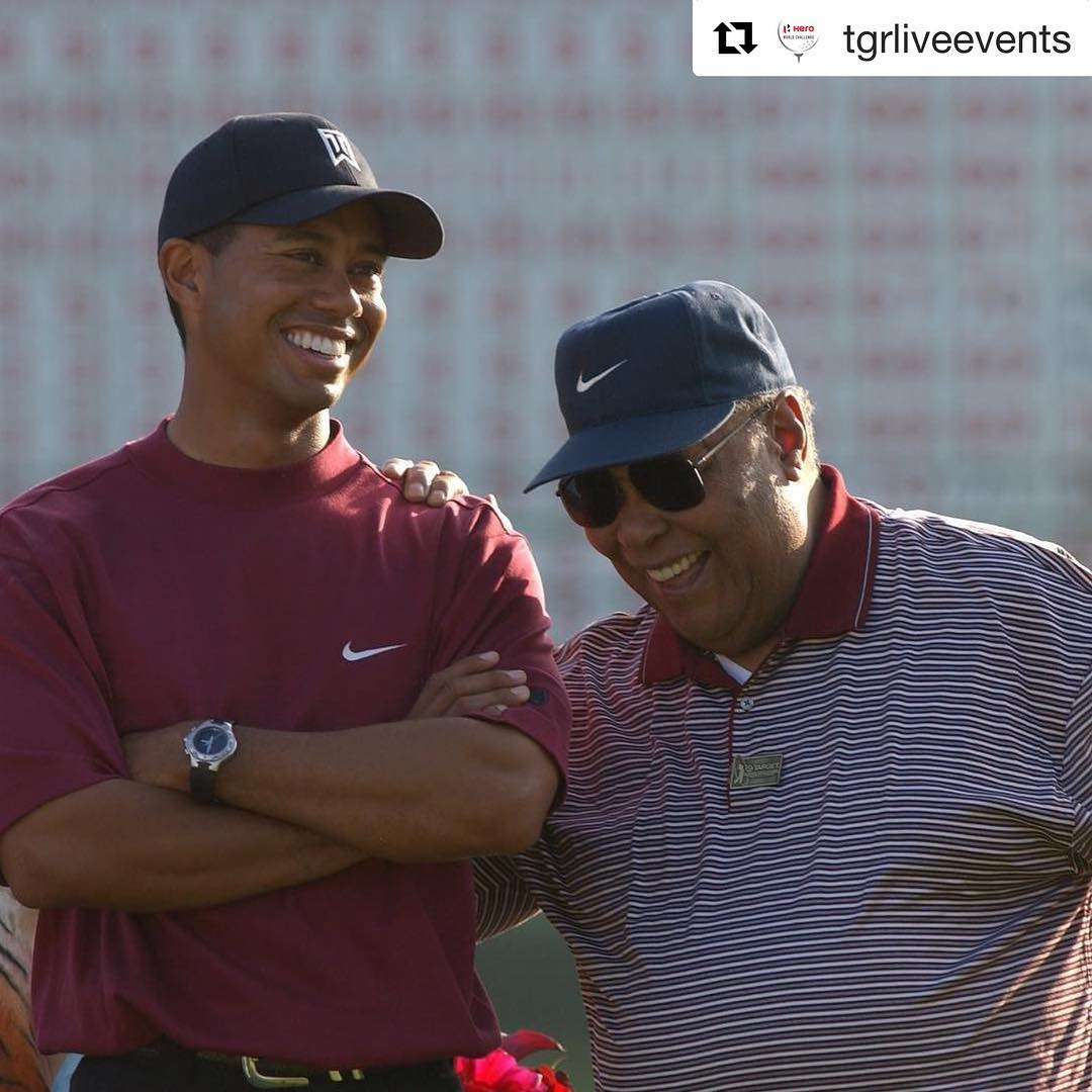 Tiger-Woods-with-his-father-in-the-past