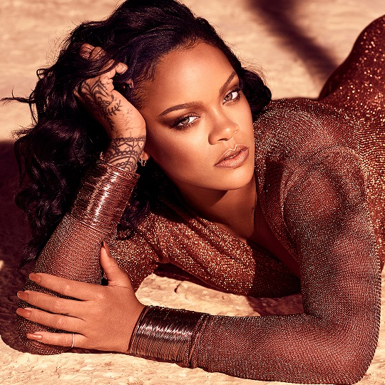 """badgirl riri - """"It took over two years to develop the perfect bronzer"""" Rihanna reveals"""