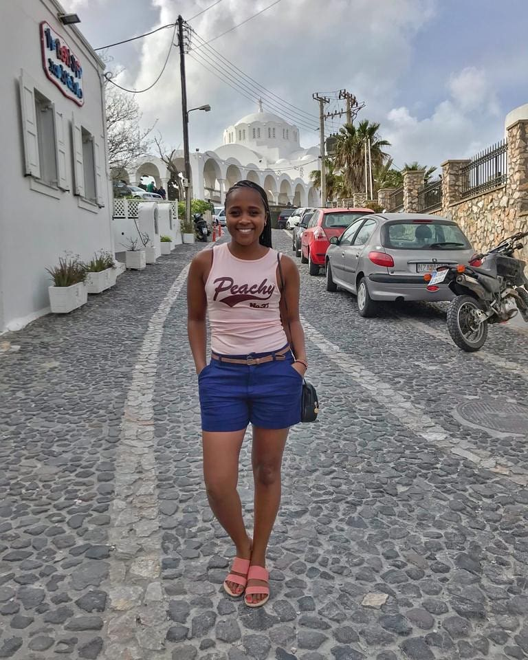 shiks kapienga 1 - Lanes! Check out Wilbroda and her girlfriends in Santorini