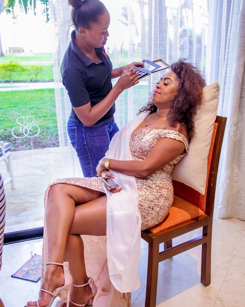 58724952 117569226111364 81693676941975502 n - Lillian Muli shows off sexy cleavage and tender thighs