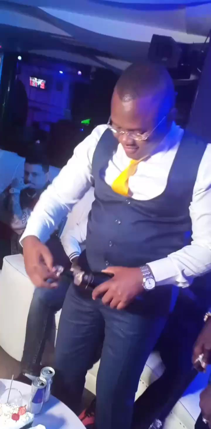 60405907 421783148643883 5549271778960785496 n - Willy Possessed! Willy Paul caught on camera grinding on women at city club