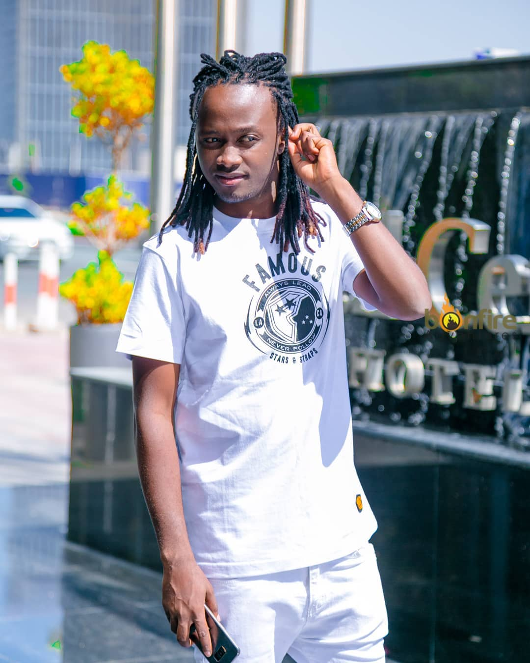 Bahati in white - Hatulali nawe! Bahati told after asking fans about his dreads