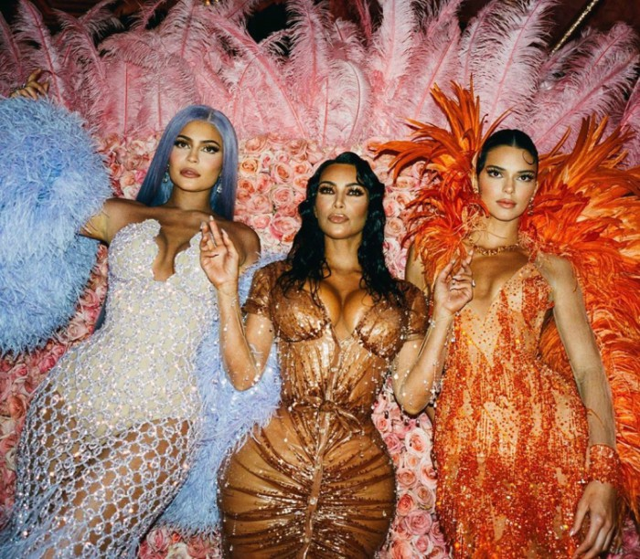 Kim Kardashian with sisters Kylie and Kendall - Kim Kardashian reveals the underwear she wore for MET gala