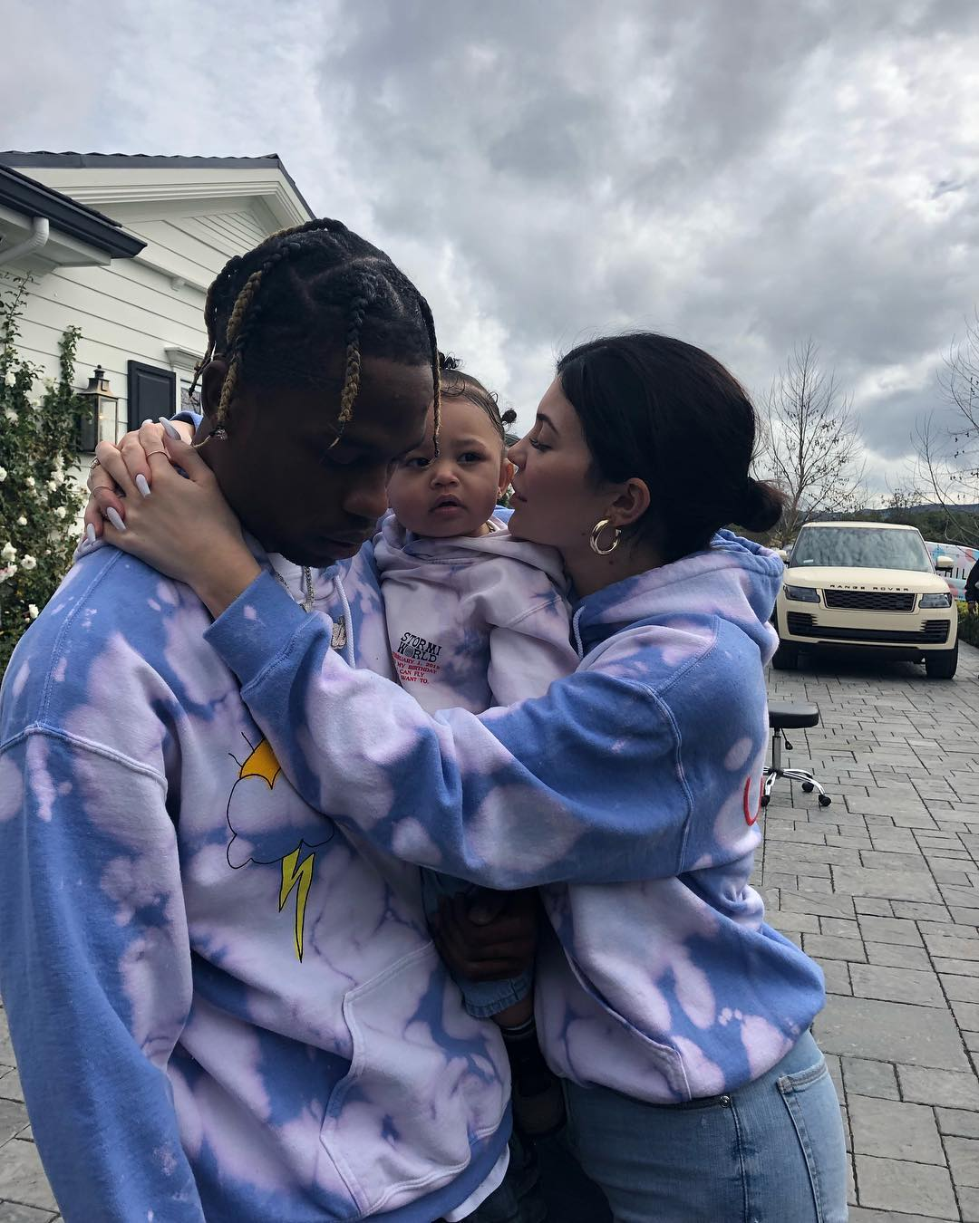 Kylie-Jenner-and-Travis-Scott-with-their-daughter-Stormi
