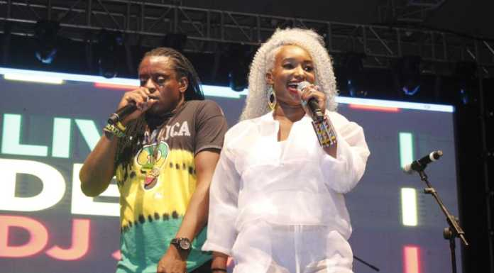 MG 3830 696x385 - Exclusive Photos: How it went down at Etana's concert