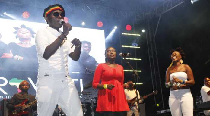 MG 3897 696x385 - Exclusive Photos: How it went down at Etana's concert